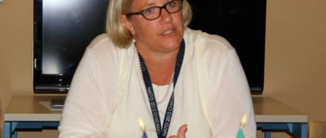 Dans cette audio-diffusion, Karen Gustafson de Andrade, Consul général de l'Ambassade des Etats-Unis à Dakar explique...