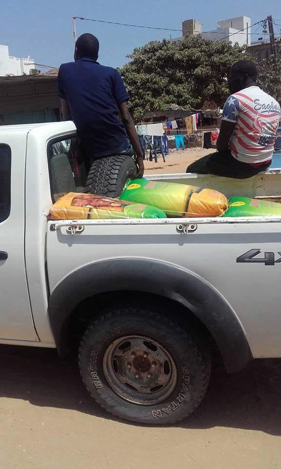 Le camp du OUI distribue du riz dans la banlieue : Achat de conscience? (Photos)
