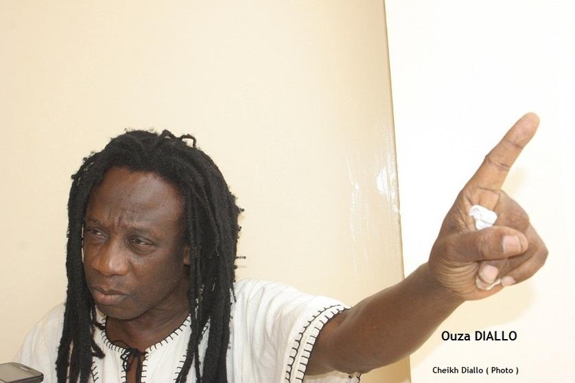 """Ouza Diallo, artiste-musicien : """"Je suis pour le report du référendum"""""""