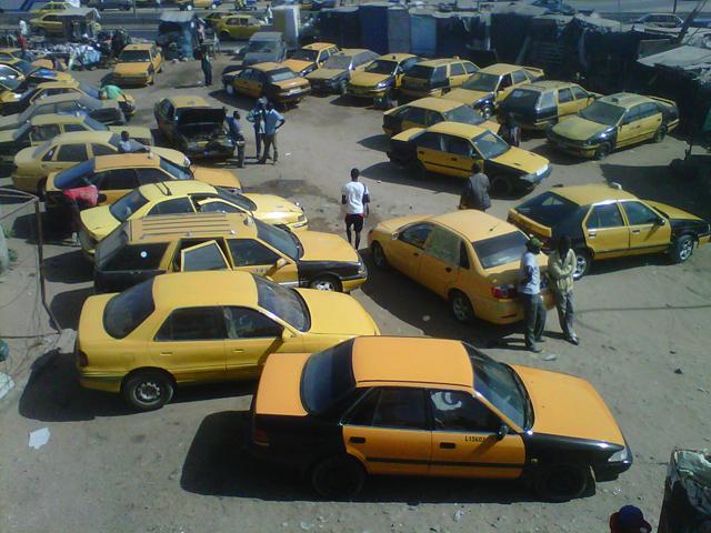 Référendum : Une caravane de taxis dans les rues de Dakar pour le Oui