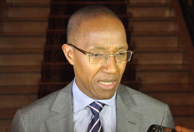 Abdoul Mbaye pousse un coup de gueule après avoir voté