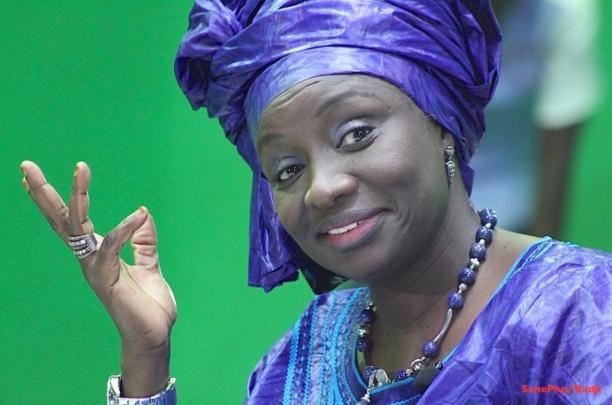 Toute heureuse, Mimi Touré nargue Khalifa Sall