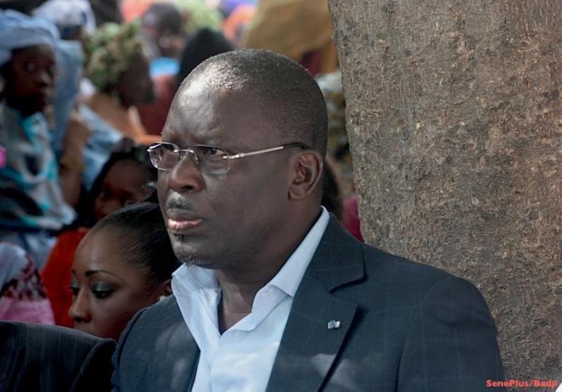 """Babacar Gaye amer : """"Cette victoire à la Pyrrhus n'honore pas le Président Macky Sall..."""""""