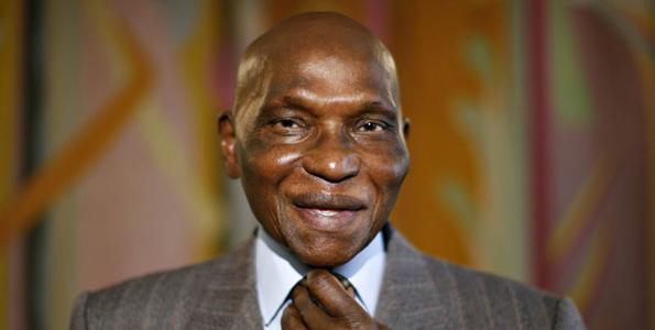 Le Président Wade sur l'idée de médiation entre le pouvoir et l'opposition : « Landing Savané ne peut être dans le camp du pouvoir et vouloir jouer le rôle de médiateur »