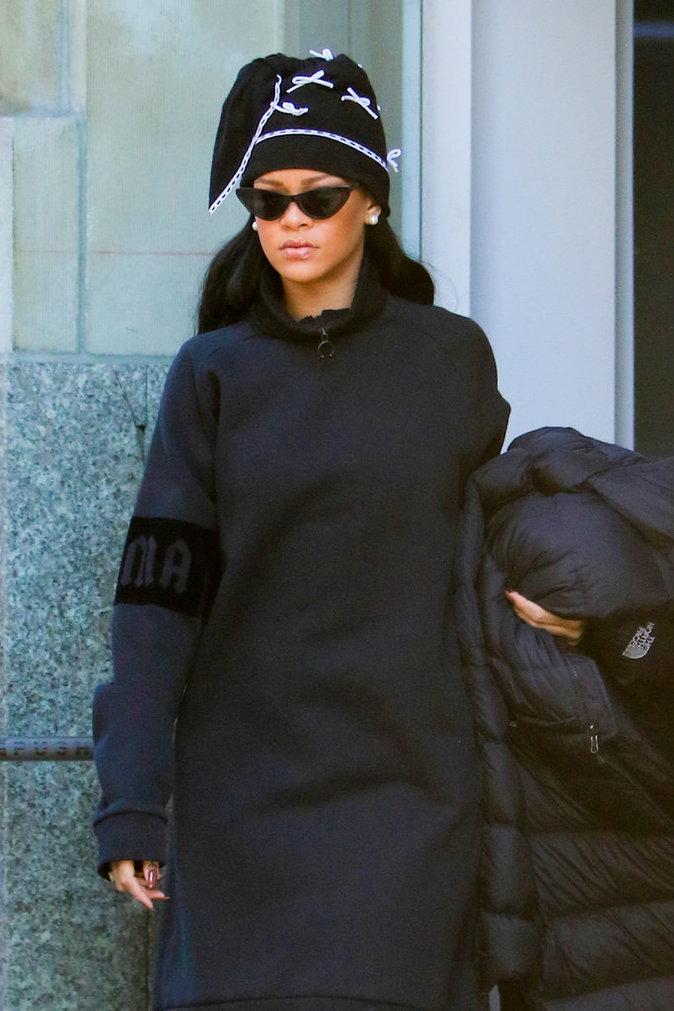Photos - Rihanna : elle débarque dans la ville de Drake !