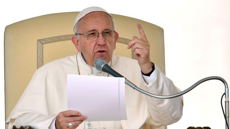 Le pape François ouvre la porte à certains divorcés remariés
