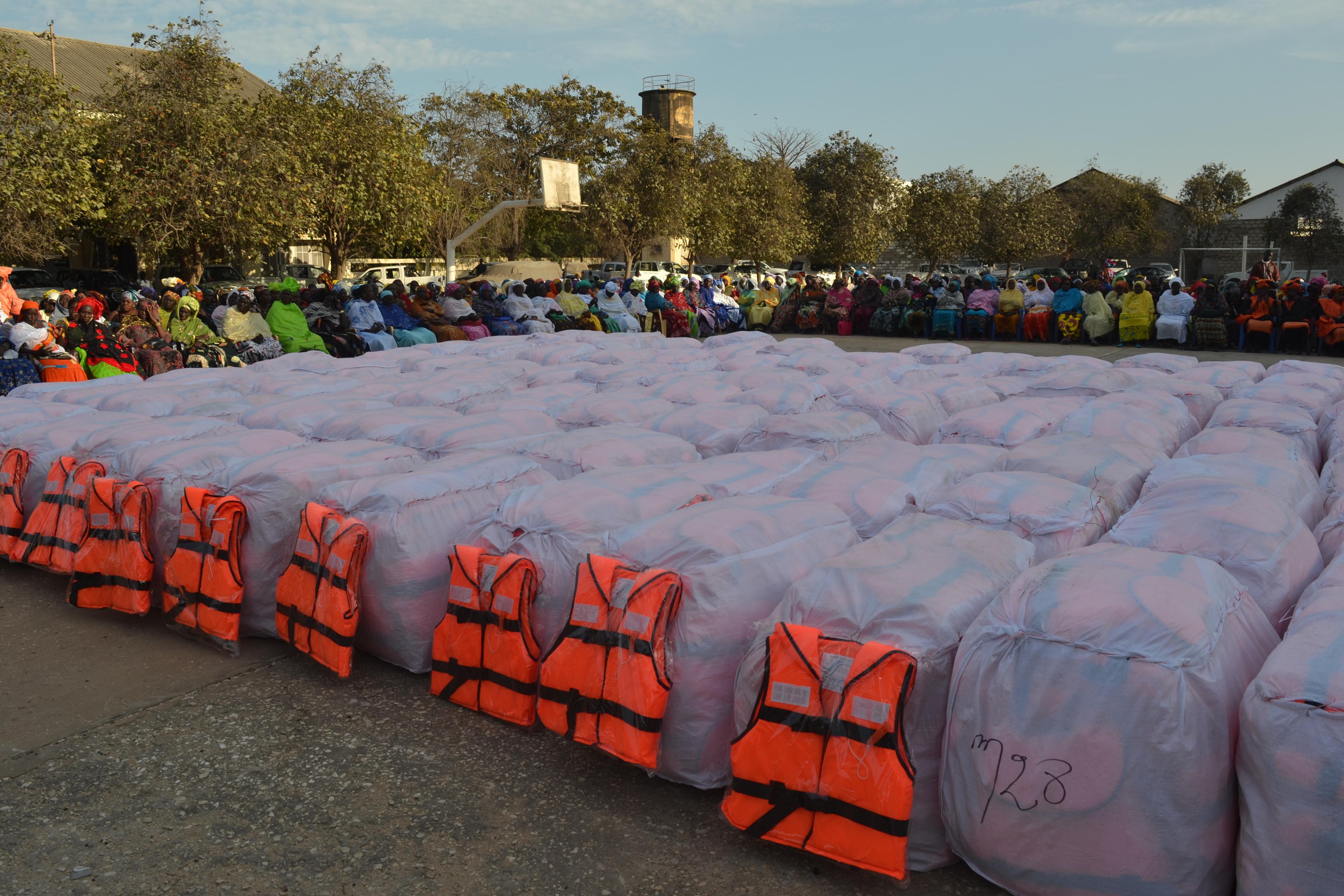 Prévention des accidents en mer : L'Etat réceptionne 20 000 gilets de sauvetage