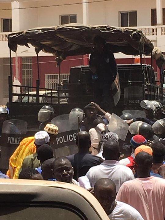 Manifs à Banjul - La liste (provisoire et non exhaustive) des personnes arrêtées