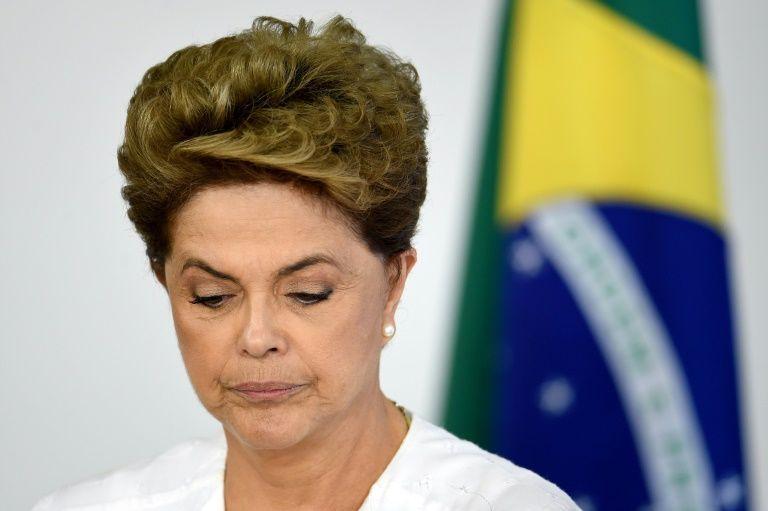 Les députés ouvrent la voie de la destitution de la Présidente : Dilma Roussef pers la première mi-temps