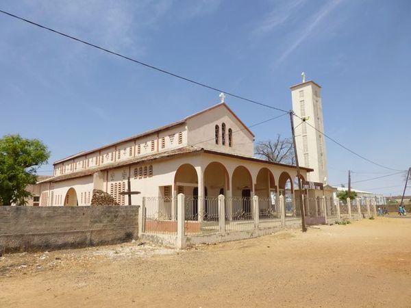 L'Eglise sénégalaise en deuil : le Curé de la paroisse de Fatick trouve la mort dans un accident