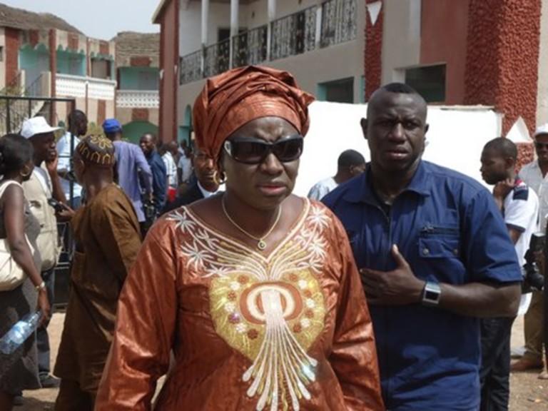 Kaolack : Aminata Touré vole au secours de son ancienne école primaire