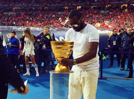 Maître Gims : au Stade de France, son show tourne au fiasco...
