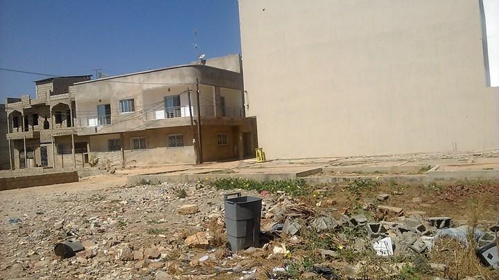 Ouakam - Mamelles derrière la banque BOA  : Le mur de clôture de l'aéroport déplacé et les terrains vendus à 25 millions par...