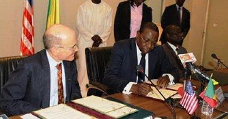 Partenariat : Le Sénégal et les Usa signent un accord de coopération et de défense
