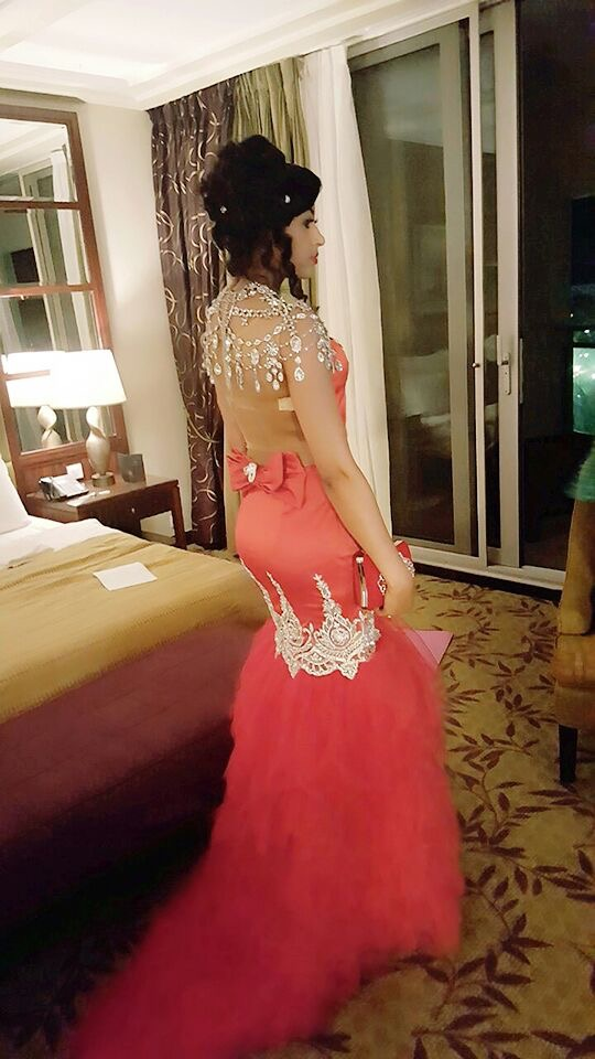 Sokhna Aidara dans sa sublime robe rouge pour le King Fahd Palace