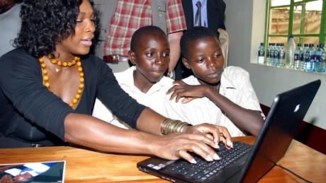 Programme E-Ambassadeurs : Une nouvelle plateforme pour relever le niveau des élèves