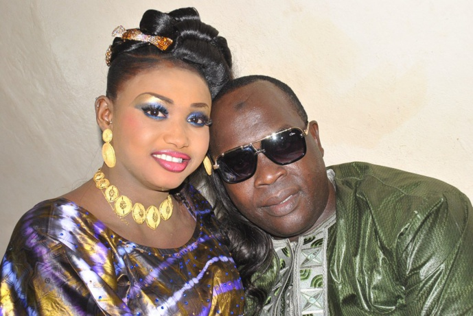 Doudou Ndiaye Mbengue en toute complicité avec sa femme