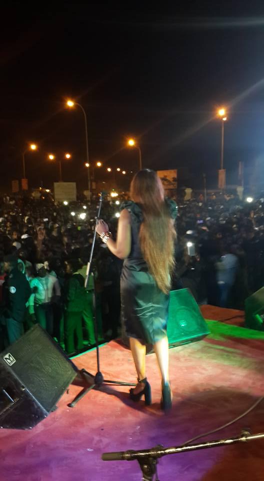 Titi met le feu en Gambie : Revivez l'événement en images !
