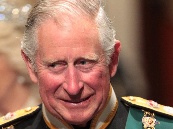 """Prince Charles pris en flag avec """"un toy boy"""", scandale à Buckingham"""