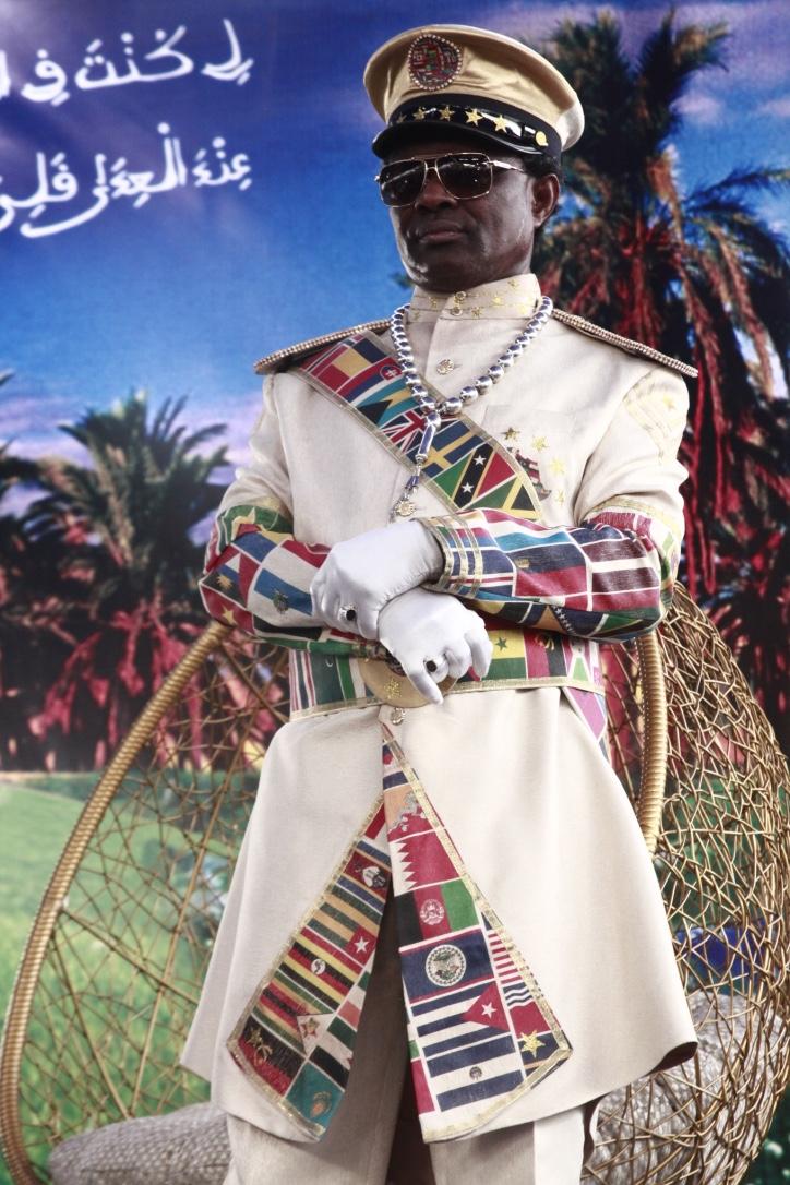 """6 photos : L'incroyable tenue  du """"Maréchal"""" Général de Bamba lors du Magal de Darou Mouthy"""