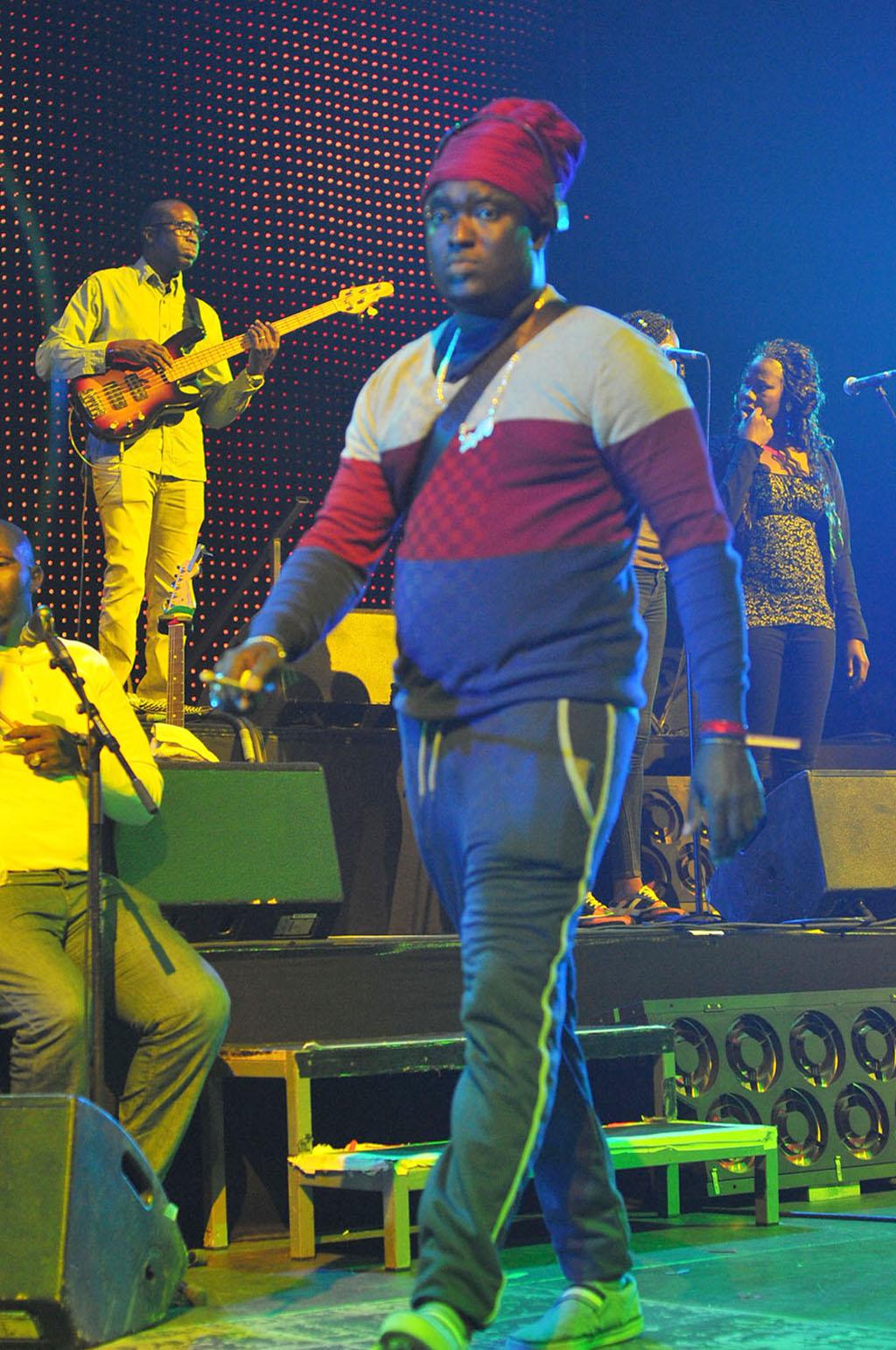 Bercy 04 juin 2016 – Petit Mbaye, Gidjack et Pape Diène s'échangent des idées !