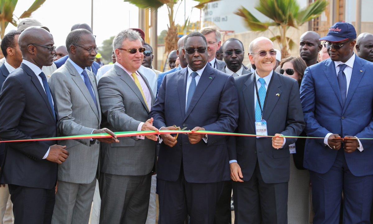 Le Dg de la Senelec Makhtar Cissé et les agents félicités par le président de la République