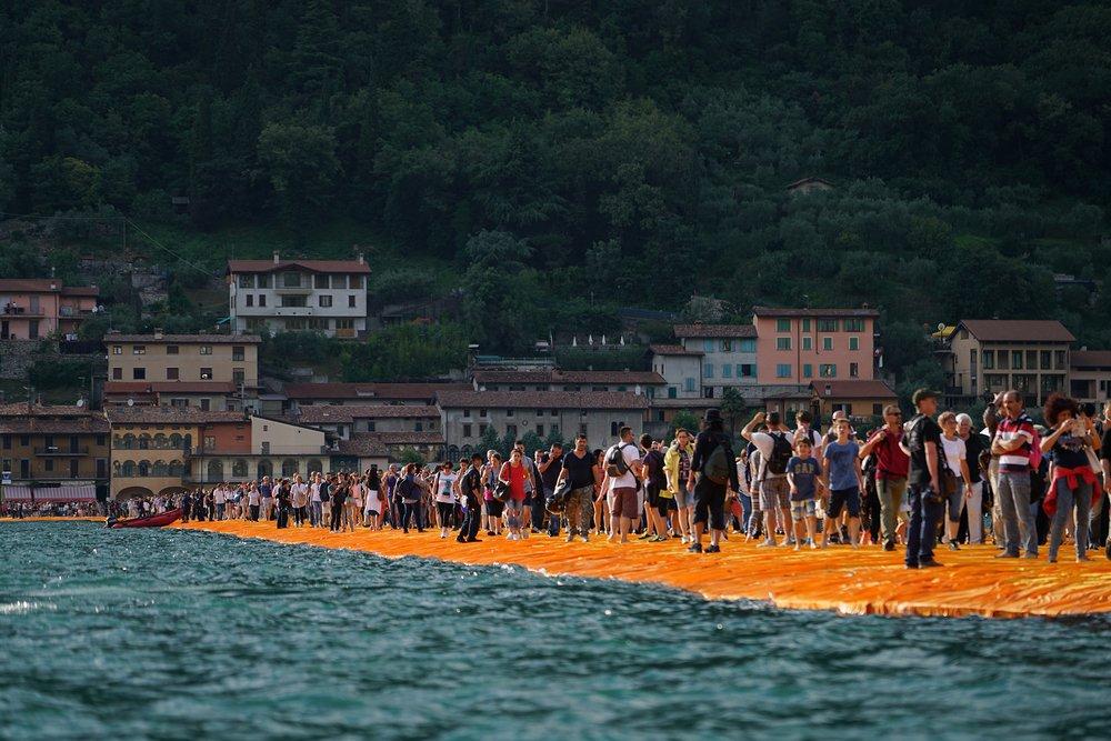 En Italie, il est possible de marcher sur l'eau ! Et ce n'est pas une blague