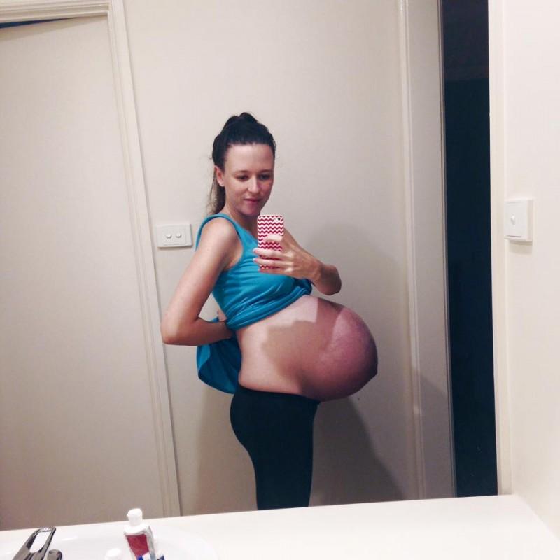 Choc : une mère retrouve sa photo d'elle enceinte sur un site porno !