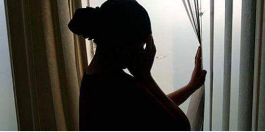 Enceinte de 8 mois, elle vit dans la rue chassée par sa mère et sans contact du père de l'enfant, qui lui a donné 35.000FCFA