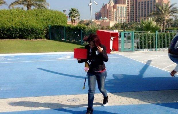 Viviane Chidid  atterit  à Dubai avec son manageur Didjack