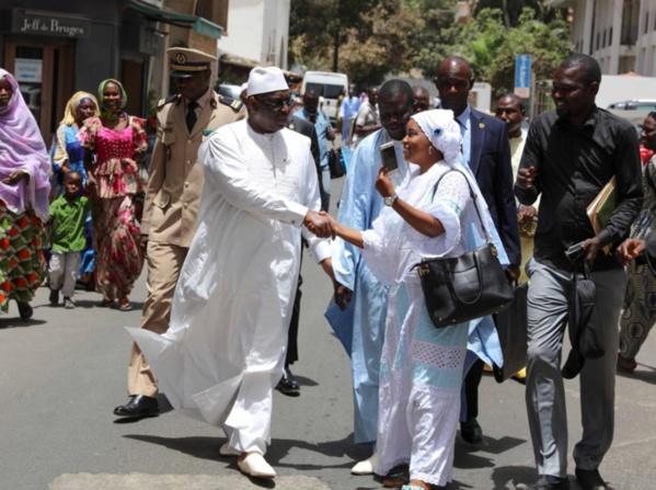 Prières dans différentes mosquées de Dakar : Expression de Foi ou ballade Politico-spirituelle de Macky Sall