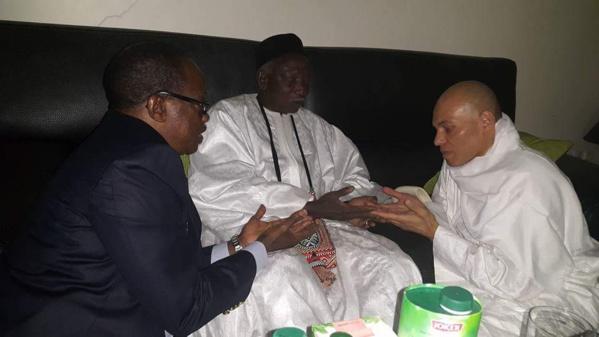 Après avoir accompagné Karim Wade, Me Madické Niang rentre discrètement à Dakar