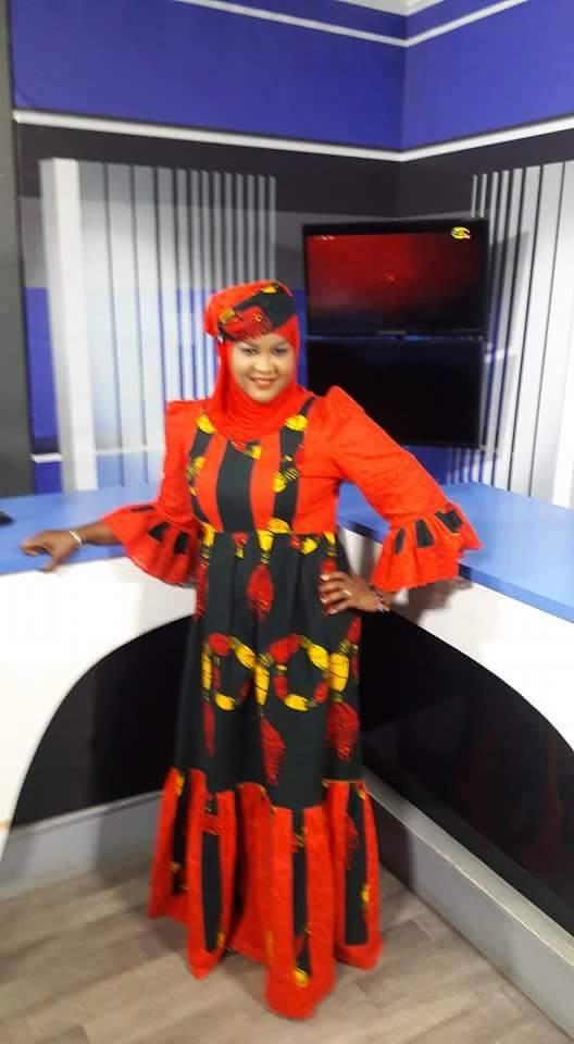 Ndèye Khady Thiam ravissante dans les studios de la Sen tv