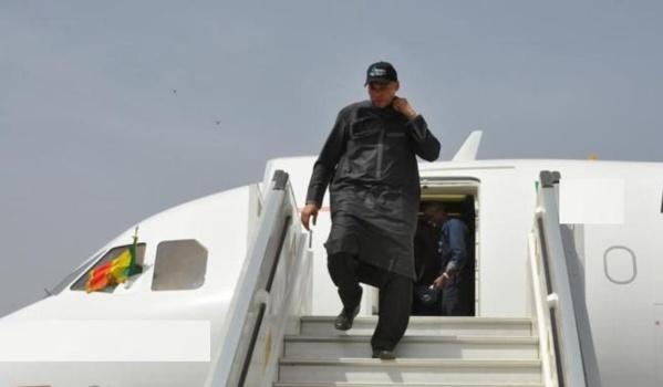 Karim Wade est rentré à Versailles, avec ses deux enfants