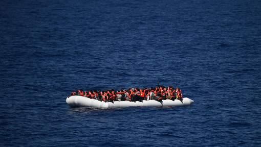 Italie: plus de 1.000 migrants secourus en Méditerranée, 17 corps retrouvés
