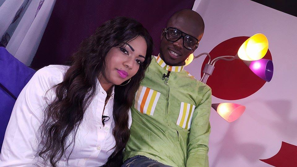 Vidéo - Aba et Ya Awa partagent le même plateau après une longue séparation