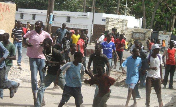 Urgent - Préparatifs du meeting de Bamba Fall : Deux journalistes brutalisés et arretés par la police