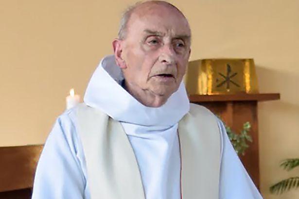 """Jacques Hamel, le prêtre tué dans son église, un homme """"chaleureux, très apprécié de la population"""""""