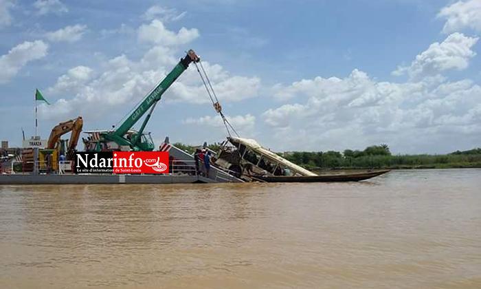 (Photos) Naufrage à Rosso: Le corps d'un bébé retrouvé dans l'épave du bus tombé dan le fleuve Sénégal