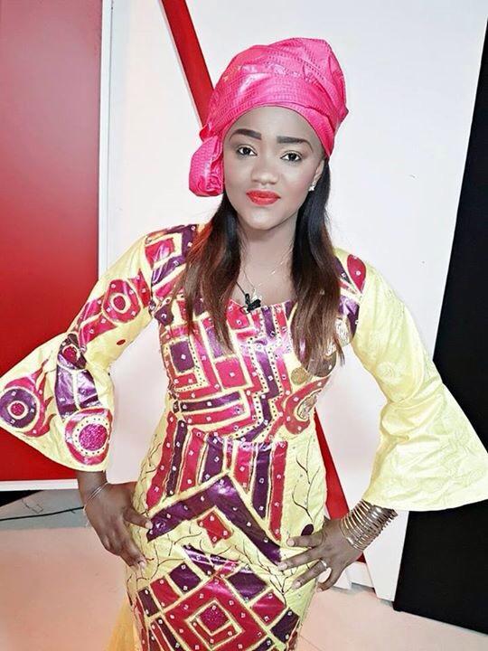 Fama Thioune ravissante dans une tenue stylisée