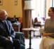 Sans soutien-gorge devant un archevêque, Angeline Jolie choque les internautes
