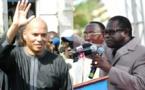 """Karim porte plainte contre Macky à Paris et à l'Onu: comment il compte l""""humilier devant…"""