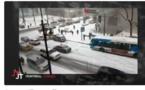 Non, cette scène de carambolage n'a pas été tournée en slow motion. Juste au Québec, regardez!!!
