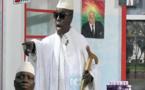 Vidéo: Yahya Jammeh dans sa nouvelle vie en Guinée équatoriale en tant qu'agriculteur: version kouthia show... à mourir de rire