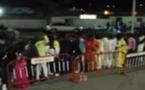 Vidéo-Emouvant: Waly SECK ne voulait pas aller sur scène sans ses nombreux fans bloqués devant la porte