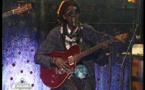 "Vidéo: Cheikh Ndiguel Lô éblouit le plateau de la 2stv ...avec la chanson ""Fall Ndiaga Yaram"""