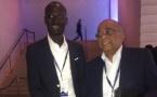 Mo Ibrahim félicite le Pdg de Evidence s.a, Diene Marcel Diagne pour son travail