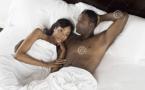 Les couples qui se couchent nus comme un ver seraient plus heureux que ceux qui dorment en pyjama ou en chemise de nuit.