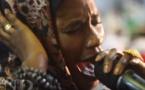 Vidéo: Aida Faye (Mou Baye) Samahou. Attention aux larmes !