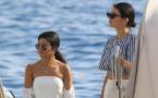 Cannes : Kendall Jenner et Kourtney Kardashian ultra sexy en bikini